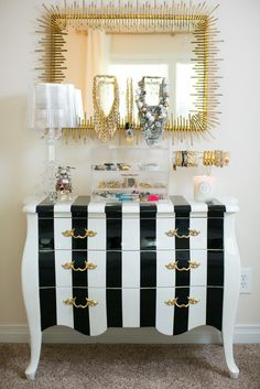Love the striped dresser! Furniture Makeover, Painted Furniture, Home Furniture, Furniture Design, My New Room, My Room, Striped Dresser, Gold Rooms, White Decor