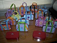 mini altoids tins | mini altoid tin purses | Crafty Inspiration