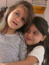 Camila y Valeria...