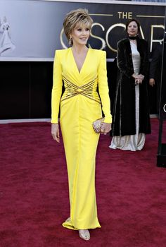 Oscars 2013 Red Carpet: Best And Worst Dressed Celebrities On Hollywood's Big Night [PHOTOS]