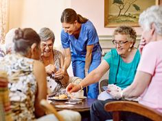 Is It Time to Transition Your Parent Into a Nursing Home? – Elderly Care Tips Elementary Science, Elementary Education, Teaching Strategies, Learning Activities, La Compassion, 21st Century Classroom, Senior Communities, Math Tutor, Elderly Care