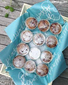 Low Carb Rezept für leckere Low-Carb Johannisbeer-Muffins. Wenig Kohlenhydrate und einfach zum Nachkochen. Super für Diät/zum Abnehmen.