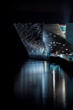 V&A Dundee Museum by Kengo Kuma. Image courtesy of V&A Dundee Museum Kengo Kuma, Modern Art Deco, Museum Of Modern Art, Dundee Waterfront, Shadow Architecture, Modern Architecture, Dundee City, Fantasy Art Landscapes, V & A Museum