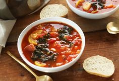 4. Tomato and Vegetable White Bean Soup  #soup #recipes http://greatist.com/eat/winter-soup-recipes