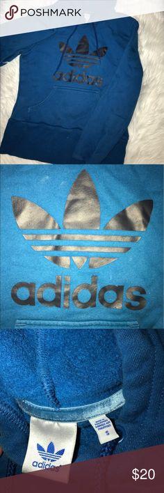Adidas Original Fleece Hoodie Adidas Original fleece hoodie is super comfy !! Accepting offers today 🗣🗣 Adidas Sweaters Crew & Scoop Necks