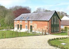 Idea for brick barn. Barns Sheds, Dream House Exterior, House Exteriors, Dream Barn, Industrial House, New Builds, Property For Sale, Barn Conversions, Barn Conversion Exterior