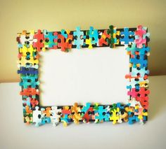 DIY decoration - craft to decorate the house # craft # decoration # decoration - Huis Decoraties - Ambacht Puzzle Piece Picture Frames, Puzzle Frame, Diy Photo Frame Cardboard, Picture Frame Crafts, Photo Frames For Kids, Photo Frames Diy, Marco Diy, Diy Niños Manualidades, Puzzle Piece Crafts