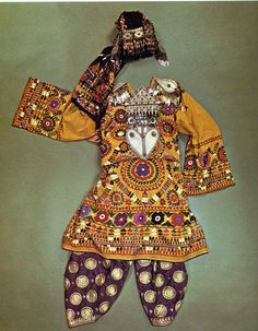 fabrics from turkmenistan | Traditional woman's costume from Turkmenistan and northern Afganistan