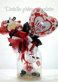 Hv Valentine Baskets, Valentine Day Crafts, Valentine Decorations, Happy Valentines Day, Balloon Box, Balloon Gift, Balloon Bouquet, Ballon Arrangement, Candy Bar Bouquet