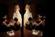 Cortando el Vestido de Natalia en Cartagena    http://www.juyaphotographer.com/