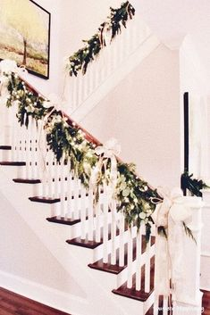 10+ Festive Christmas Staircase Decor Ideas #christmas #christmasideas #stair ~ alvazz.com