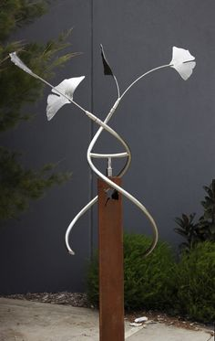 Jass Design Kinetic Wind Sculpture, Looks Like Ginkgo Leaves.