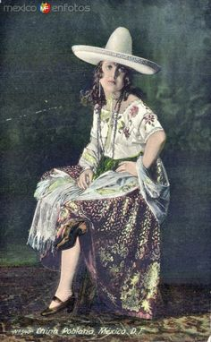 An old postcard from Mexico with a photo of a stylish China Poblana. b79ed5ba3b2