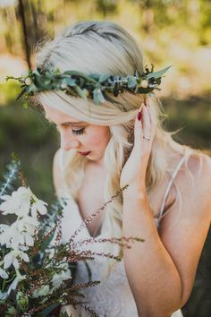 Bride wearing rustic greenery flower crown | Curly Tree Photography