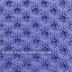 Reversible pattern looks identical on both sides. Cable Knitting Patterns, Knitting Videos, Knitting Charts, Knitting Stitches, Knitting Tutorials, Honeycomb Stitch, Honeycomb Pattern, Knitted Blankets, Stitch Patterns