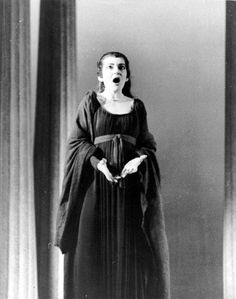 Maria Callas, Opera Singers, One And Only, Musicals, Halloween Face Makeup, Goth, London, Style, Gothic
