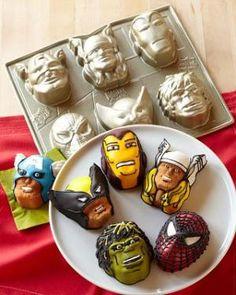 Superhero mini cakes--Zane would ❤ these!!!!