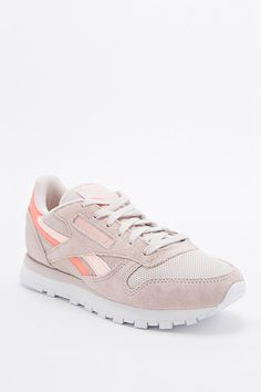 Reebok Classic Runner Trainers in Beige and Coral - Urban Outfitters