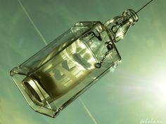 """☼ Drugie życie JACKA """"...z potrzeby serca i ku radości sprawnych dłoni...""""  w  GALERII MIĘDZY NIEBEM A ZIEMIĄ Każda ponownie wykorzystana szklana butelka to oszczędność energii, która potrzebna jest do zaświecenia 100-watowej żarówki przez 4 godziny! —"""