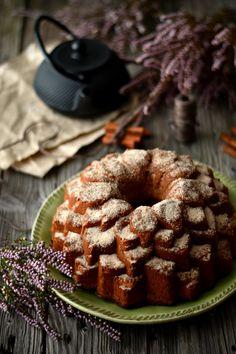 Churro Bundt Cake - http://gostinhos.com/churro-bundt-cake/