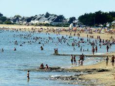 Plage de Damgan en été! Station Balnéaire, Dolores Park, Travel, Dolphins, Brittany, City, Beach, Blue, Viajes