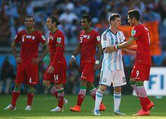 Alireza Jahanbakhsh & Lionel Messi : Argentina v Iran: Group F - 2014 FIFA World Cup Brazil
