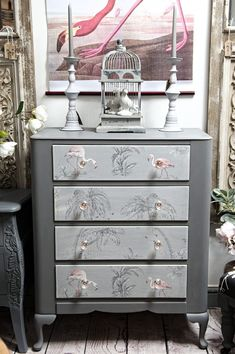 Antiquechic - Page 2 of 70 - recycling and reinventing furniture Refurbished Furniture, Vintage Furniture, Cool Furniture, Painted Furniture, Living Room Furniture, Vintage Dressing Tables, Wood Bedroom, Bedroom Ideas, Sofa Home