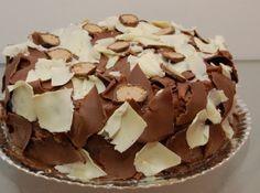Bolo gelado de sonho de valsa - Veja mais em: http://www.cybercook.com.br/receita-de-bolo-gelado-de-sonho-de-valsa.html?codigo=108523
