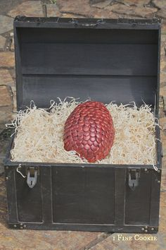 Game Of Thrones Dragon Egg Recipe Tutorial by 1 Fine Cookie, Game of Thrones, HBO, recipe, tutorial, how to make, chocolate, dragon, egg, easter, khaleesi, tv, telivision, pop culture, reference, ideas, scale, edible, giant, diy, craft, feast of fire and ice, cookbook, food, dessert, candy, chocolate, mold, egg, chocoley, instructions,