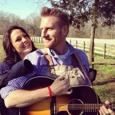 Joey and Rory Feek have a beautiful life together — as husband and wife, as a celebrated country duo, and as each other's biggest source of security and support. Take a look at some of their sweetest moments Rory Feek First Wife, Joey And Rory Feek, Country Singers, Country Music, Joey And Roy, This Life I Live, Little Big Town, Famous Couples, Faith In Love