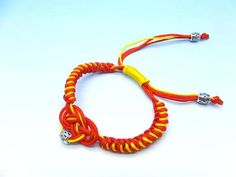 Diy bracelets - how to make a friendship bracelet #knot #friendship #wrapped