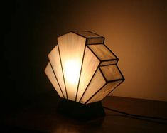 Lamp Art Deco stained glass Tiffany Flabellum Pearl