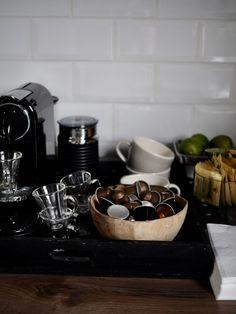 Sånn kan det gå… – Villa Paprika Tray Decor, Camilla, Trays, Kitchen Appliances, Deco, Diy Kitchen Appliances, Home Appliances, Serving Tray Decor, Kitchen Gadgets