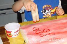 askartelua: äitienpäivä, vessapaperihylsy, painanta, sydämiä crafts: Mother's Day, hearts hantverk: mors dag, hjärtan http://ipanaaskartelua.blogspot.fi/2014/03/sydamia.html