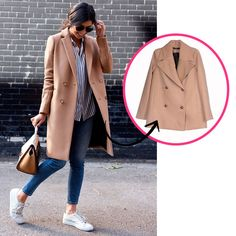 Street style look de inverno com casaco bege botões