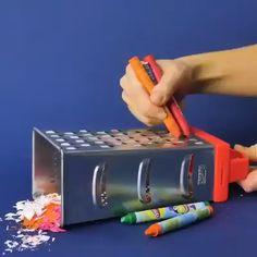 Twenty life hacks with crayons ✏️ 😍 - Diy life hacks - Diy Crafts Hacks, Diy Home Crafts, Diy Arts And Crafts, Creative Crafts, Fun Crafts, Paper Crafts, Wood Crafts, Creative Ideas, Diy Videos