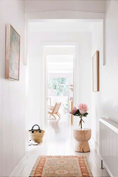 Inside The Beauty Chef's stunning Bondi home is part of diy-home-decor - Carla Oates, the founder of The Beauty Chef, has let us inside her jawdropping Bondi home, which she renovated with her husband in 2013 Interior Design Inspiration, Home Decor Inspiration, Hallway Inspiration, Decor Ideas, Style At Home, Style Blog, Cheap Home Decor, Diy Home Decor, Decoration Hall