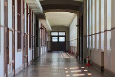 2013.08.15 豊郷小学校旧校舎 2階廊下 - @dayo_ra