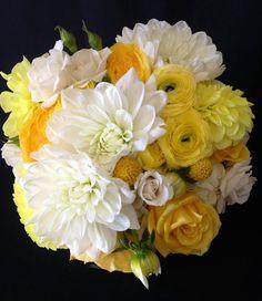 dahlia yellow wedding bouquet | Yellow bridal bouquet. Dahlias, Garden roses, ranunculus. Mainstreet ...