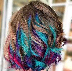17 Greatest Red Violet Hair Color Ideas Trending in 2019 - Style My Hairs Hair Color Dark, Cool Hair Color, Red Violet Hair, Underlights Hair, Coloured Hair, Hair Dye Colors, Bright Hair, Grunge Hair, Blue Hair