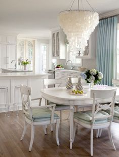 InGoodTaste: Bear-Hill Interiors - Design Chic #Homes #HomeDecorating #Dining