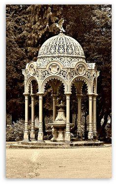 Victorian Drinking Fountain and Gazebo Victorian Life, Victorian Decor, Victorian Homes, Victorian Architecture, Beautiful Architecture, Architecture Details, Pavillion, Gazebos, Drinking Fountain