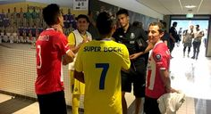 Golea PSV a Porto en duelo de mexicanos