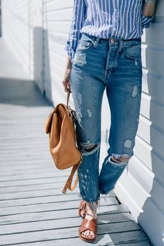 How to wear slides / Jess Kirby Work Fashion, Denim Fashion, Fashion Outfits, Style Fashion, Summer Outfits, Cute Outfits, Off Duty, Street Style Women, Boyfriend Jeans