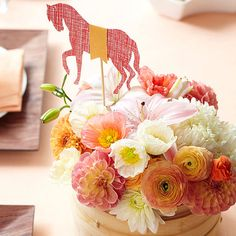Make a Themed Centerpiece || Kentucky Derby party ideas from Better Homes & Gardens