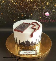 Hajj cake - cake by Bonboni Cake - CakesDecor Eid Cupcakes, Eid Cake, Cake Decorating Designs, Cake Designs, Beautiful Cakes, Amazing Cakes, Eid Food, Elegant Birthday Cakes, Drip Cakes