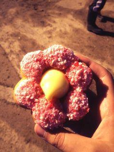 Get your Alberta Rose doughnut @Krysta Lindsay Brewer starting on Friday! Please RT #yychelps #yycflood pic.twitter.com/6hbw7q8BN7 Lindsay Brewer, Calgary, Doughnut, Peach, Friday, Candy, Twitter, Rose, Pink
