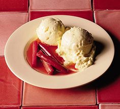 Clotted cream and ginger ice cream with roasted rhubarb Clotted Cream, Whipped Cream, How To Cook Rhubarb, Cooking Rhubarb, Rhubarb Pie, Brown Sugar Roasted Carrots, Best Rhubarb Recipes, Ginger Ice Cream, Sweets