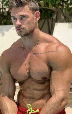 Beautiful Men Faces, Gorgeous Men, Male Chest, Hommes Sexy, Hot Hunks, Raining Men, Muscular Men, Male Beauty, Male Body