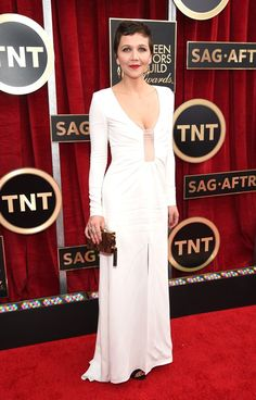 Pin for Later: Wir nehmen euch mit auf den roten Teppich der SAG Awards! Maggie Gyllenhaal